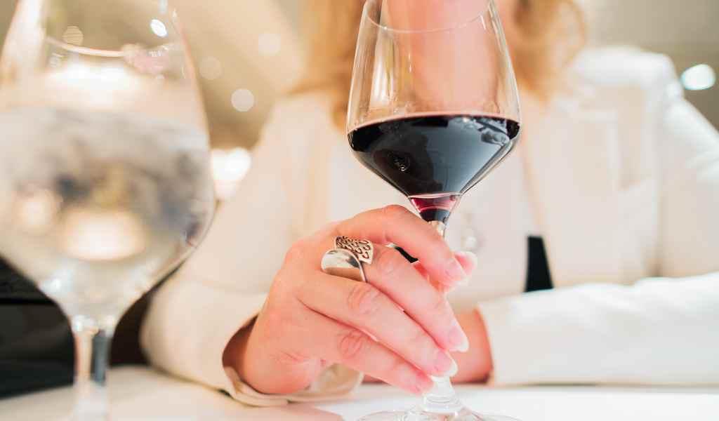 Лечение женского алкоголизма в Акатьево анонимно